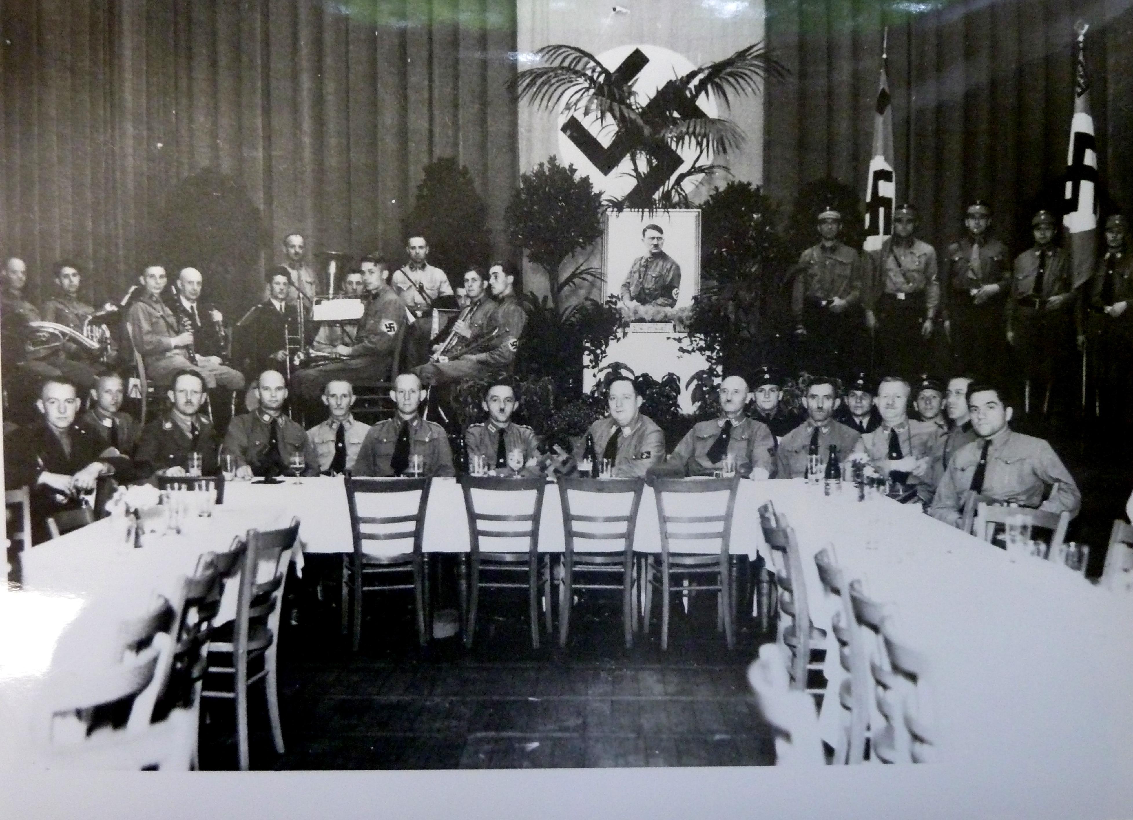 Die NSDAP-Ortsgruppe im Horst-Wessel-Haus